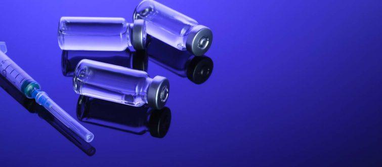 5 תיאוריות קונספירציה נפוצות נגד החיסון לקורונה - ואיך מפריכים אותן בקלות
